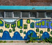 Mural in alleyway behind Brunswick Avenue, Toronto 2010-10-09