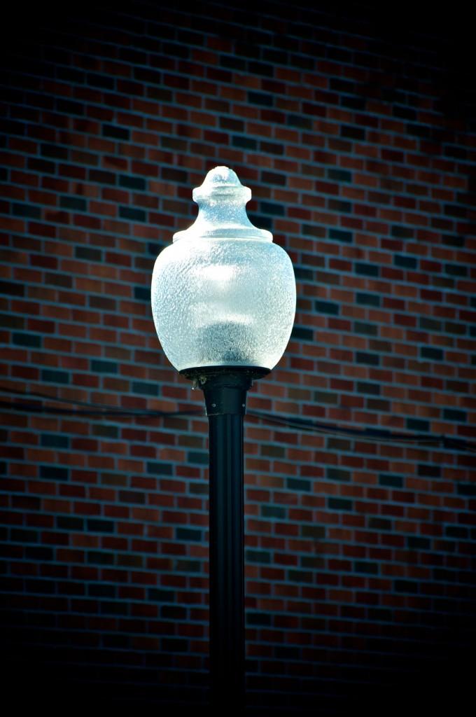 Street lamp on rue Sainte-Anne in Sainte-Anne-de-Bellevue