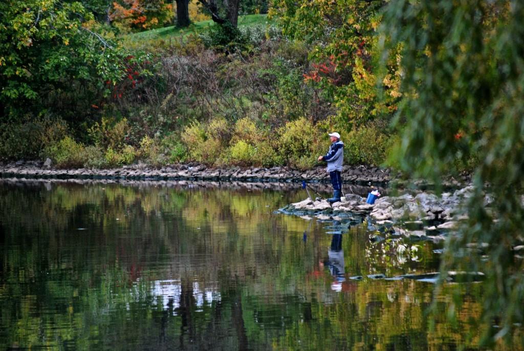 Fishing in Ashbridge's Bay, Toronto 2010-10-11
