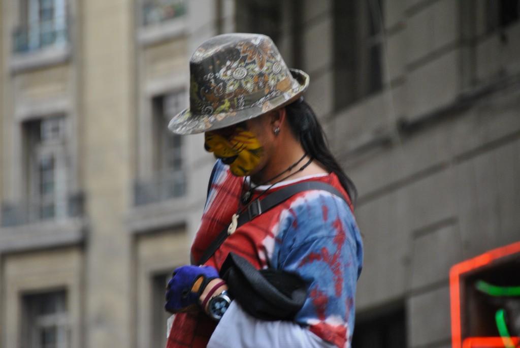 Busker in Santiago, Chile 2012-11-30