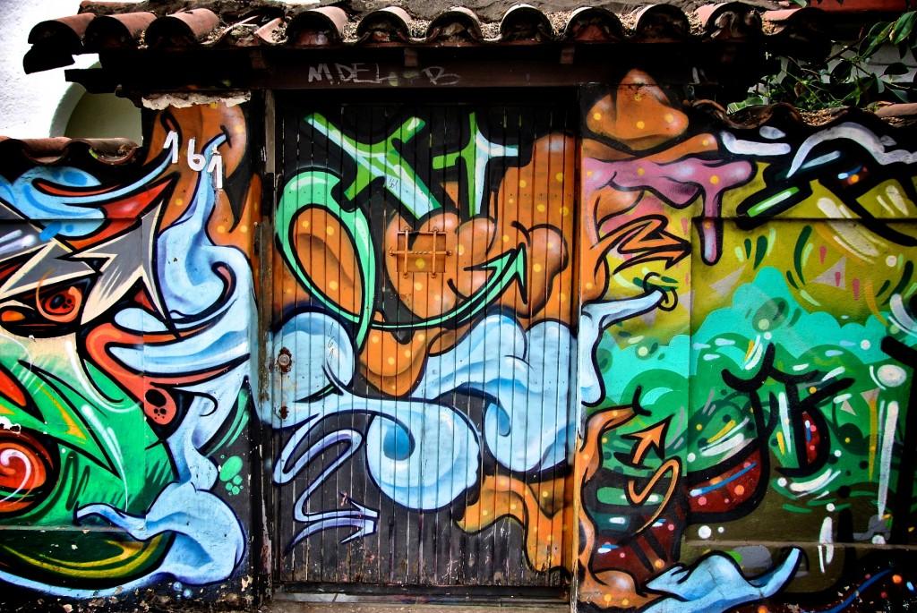 Entrance to dreamland [Santiago, Chile 2012-12-01]