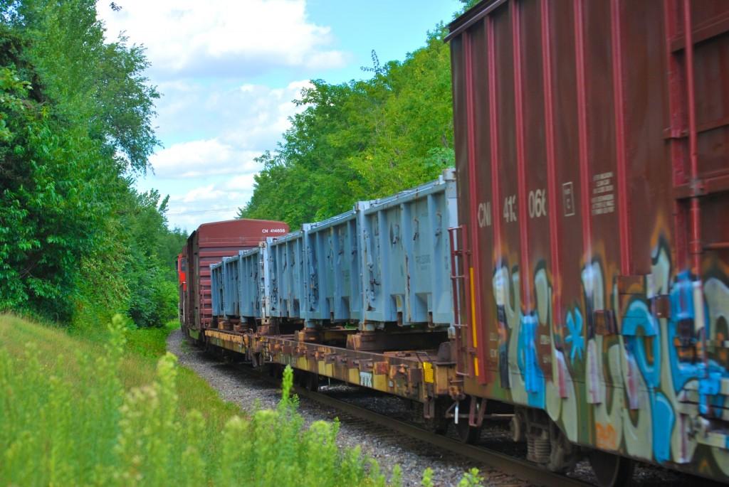DSC_8757 - Train running through Drummondville, QC.